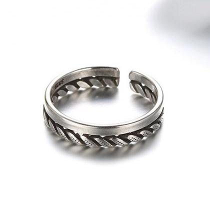The trend of retro twist rope ring