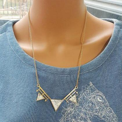 Personality geometric triangle Pend..
