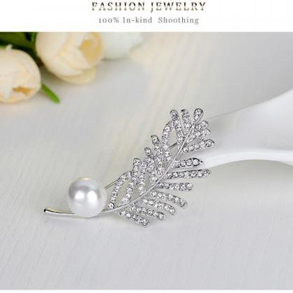 High-grade diamond brooch brooch la..