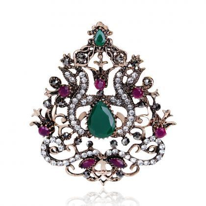 High-grade Diamond Crown Brooch