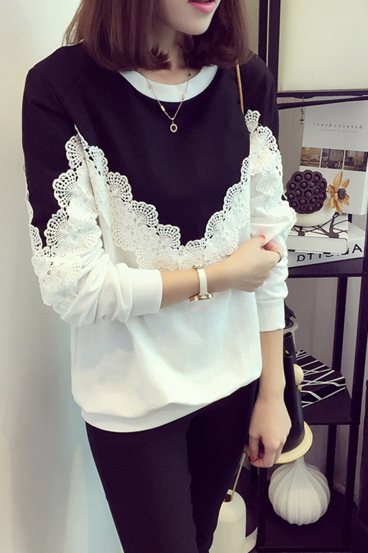 Patchwork Lace Long Sleeves Scoop Loose Blouse