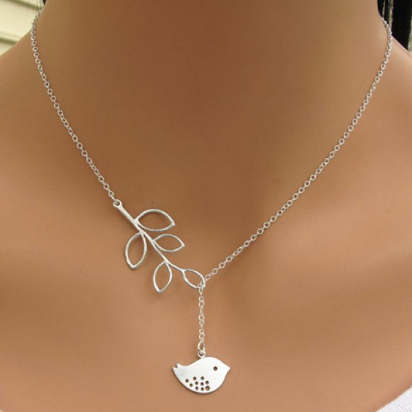 Stylish Women's Leaf Bird Pendant Necklace