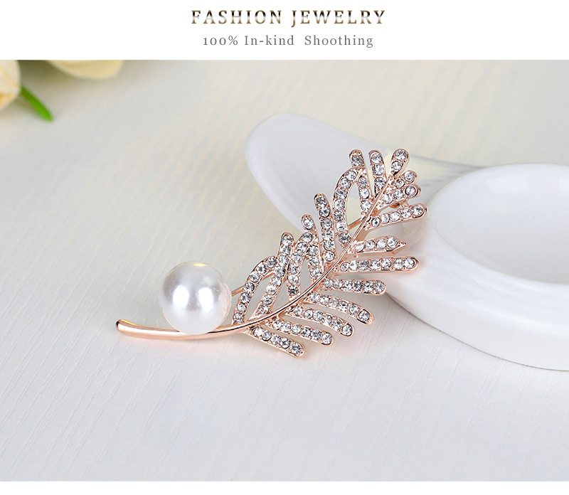 High-grade diamond brooch brooch lady leaves
