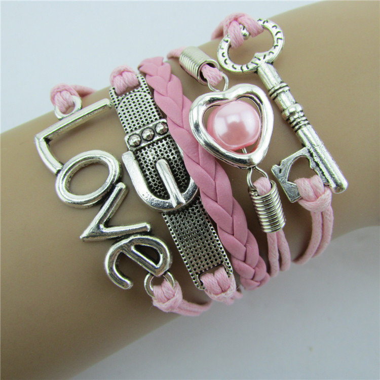 Romantic Pink LOVE Hearts Pearl Key Ring Bracelet