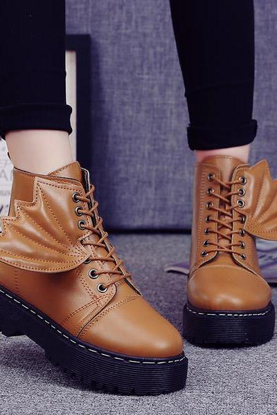 Wings Decorate Round Toe Lace Up Flat Short Boots