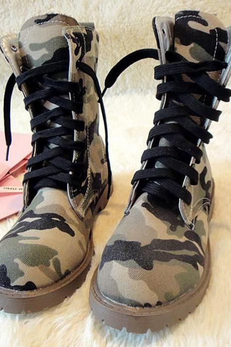 Camouflage Lace Up Round Toe Flat Short Boots