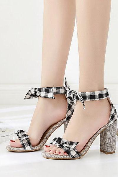 Chunky High Heel Open Toe Plaid / Gingham Print Ankle Wrap Sandals