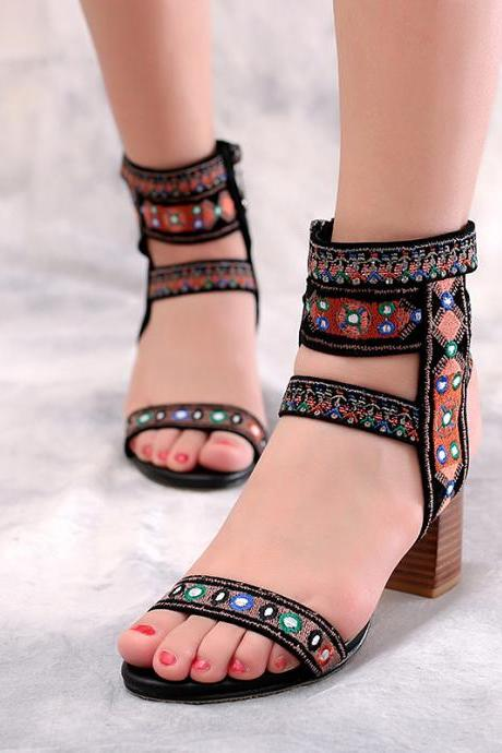 Open-Toe Tribal Embroidered Pattern Chunky Heels Sandals