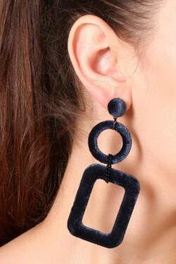 Personality Contracted Fashion Street Snap Earrings