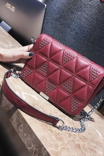 Quilted Lining Rivet Chain Crossbody Bag