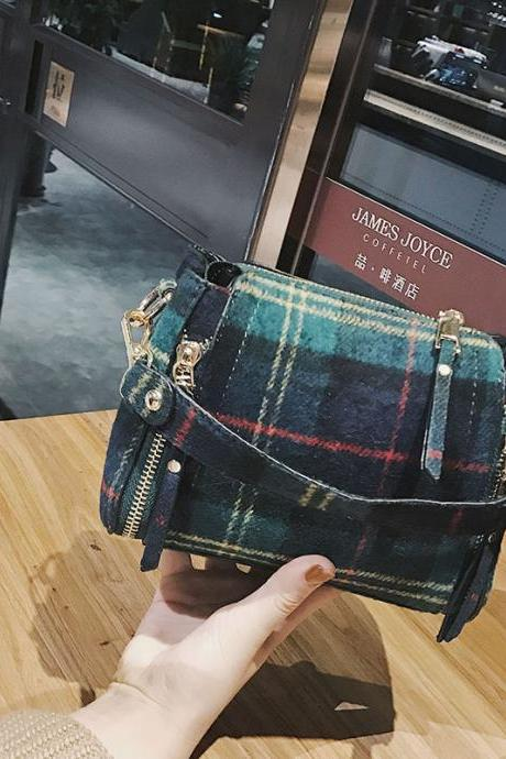 Concise Plaid Pattern Zipper Mini Satchel