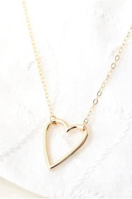 Sexy Hollow Out Peach Heart Shaped Necklace