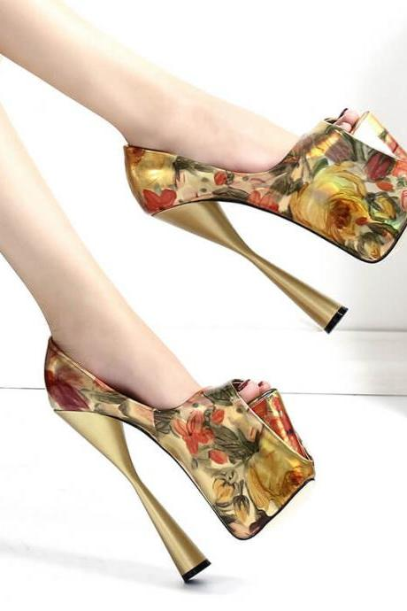 Gold Fashion Flower Print Peep Toe PU Platform Pumps