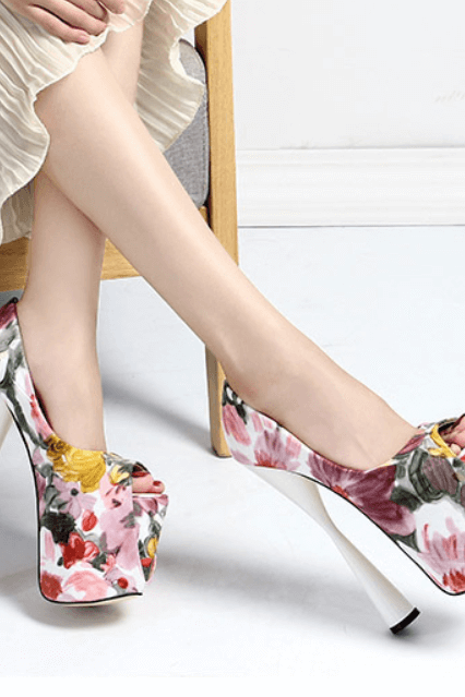 White Fashion Flower Print Peep Toe PU Platform Pumps