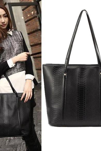 Women's Black Crocodile Pattern Leather??Big One Shoulder Tote Bag