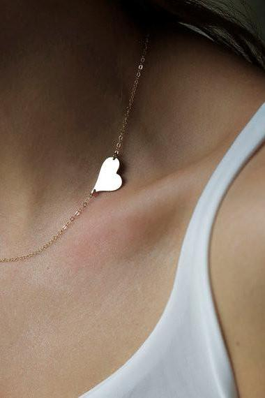 Asymmetric Heart Lady's Short Clavicle Necklace