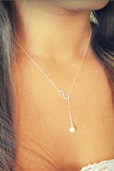 Lucky Number 8 Pearl Drops Necklace
