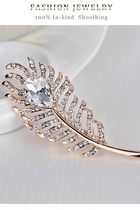 The latest luxury high-grade glass diamond brooch