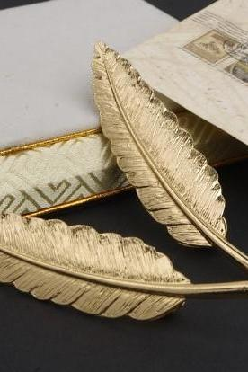 Metal man Golden Feather Brooch