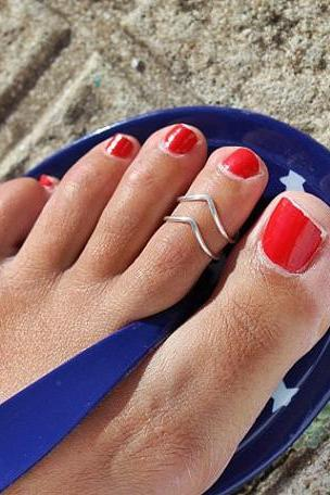 Simple Handmade V Shape Foot Ring
