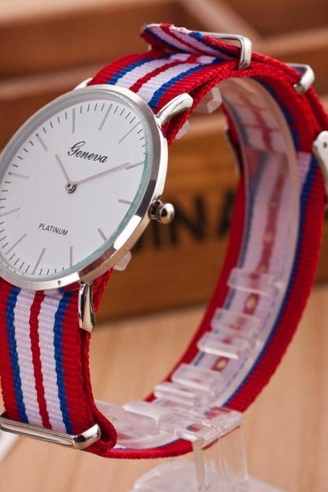 Simple Nylon Strap Fashion Watch