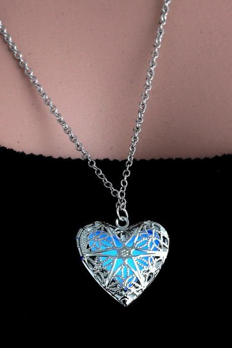 Hot summer style peach heart-shaped hollow luminous necklace tip