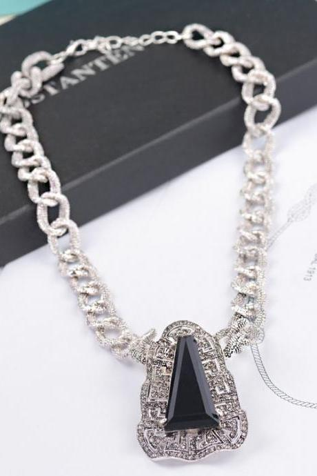 European series thick chain short necklace