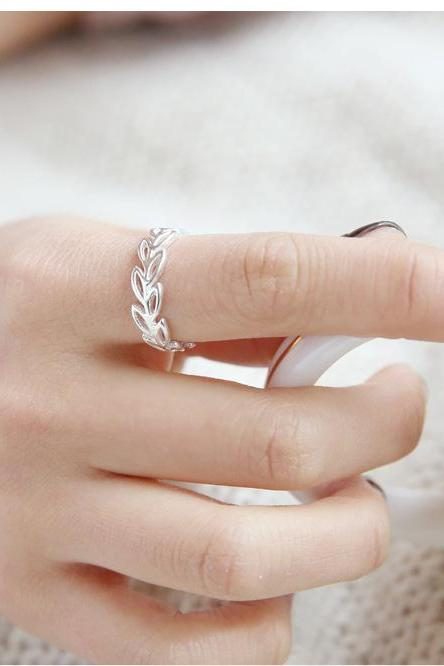 Simple fashion rings hollow out leaves