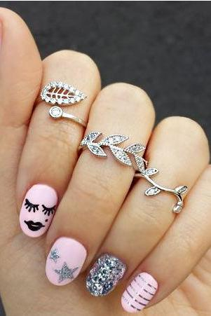 The fashion leisure three-piece set auger leaf ring