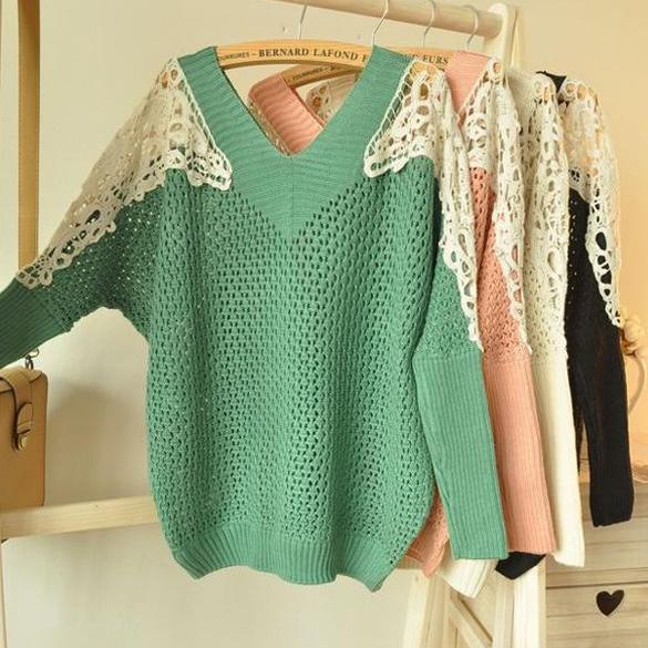 Women's V-neck Lace Patchwork Hollow Out Batwing Sleeve Knitwear Sweater