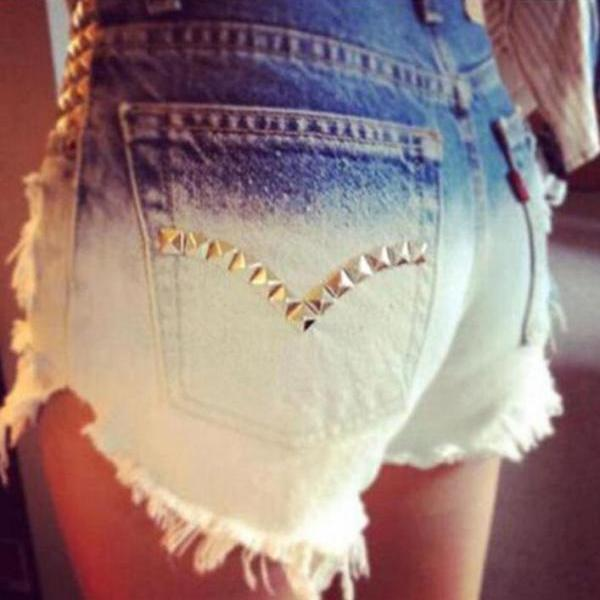 Irregular Gradually Changing Color Rough Edges Rivet Denim Shorts