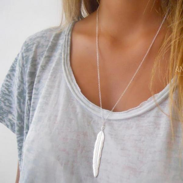 Metal Feather Women's Short Necklace